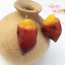リアルな焼き芋のピアス