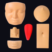 ピアッシングの練習にもボディピアスの装着写真の撮影にも使える人体模型